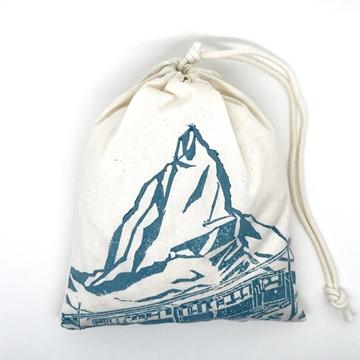 Bild von Baumwollbeutel mit Arvenflocken aus Bergün, Matterhorn Blau