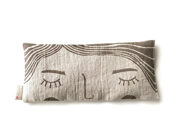 Bild von Augen-Entspannungsmaske aus Leinen gefüllt mit Bio-Lavendel aus der Provence, Emma Braun