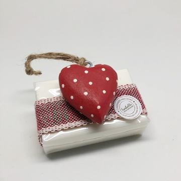 Bild von Seifenblock 100g Nr. 1, Holzherz rot, Tupfen