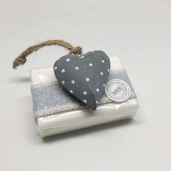 Bild von Seifenblock 100g Nr. 1, Holzherz grau, Tupfen